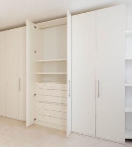 Распашной шкаф 003