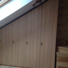 Шкаф под мансарду 00193