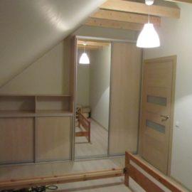 Шкаф под мансарду 00198